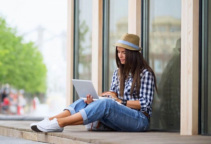 Raport: Z którymi ubezpieczycielami szybko skontaktujesz się przez e-mail lub live chat? Test obsługi klienta<